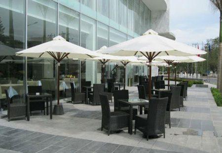 Dù che nắng quán cafe